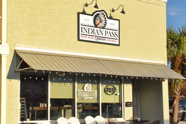 Uptown Indian Pass Raw Bar